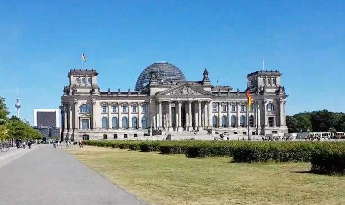 Reichstag Berlin Aussensicht